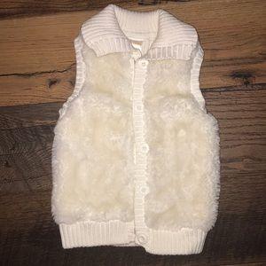 Gymboree XS 3-4 toddler fur vest